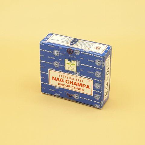Encens Satya Golden Nag Chandan en cônes classiques - Par 10