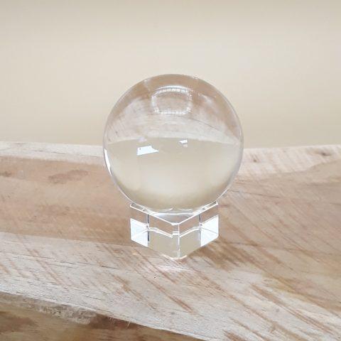 Sphère de cristal sur base en verre - 6cm