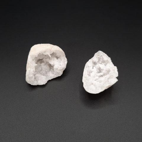 Géode en pierre de Cristal de roche - 80 à 85g