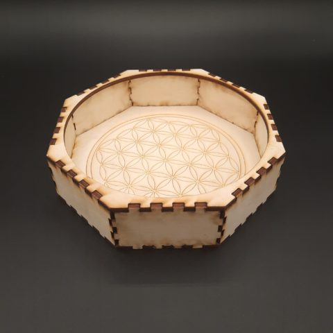 Boite octogonale en bois clair